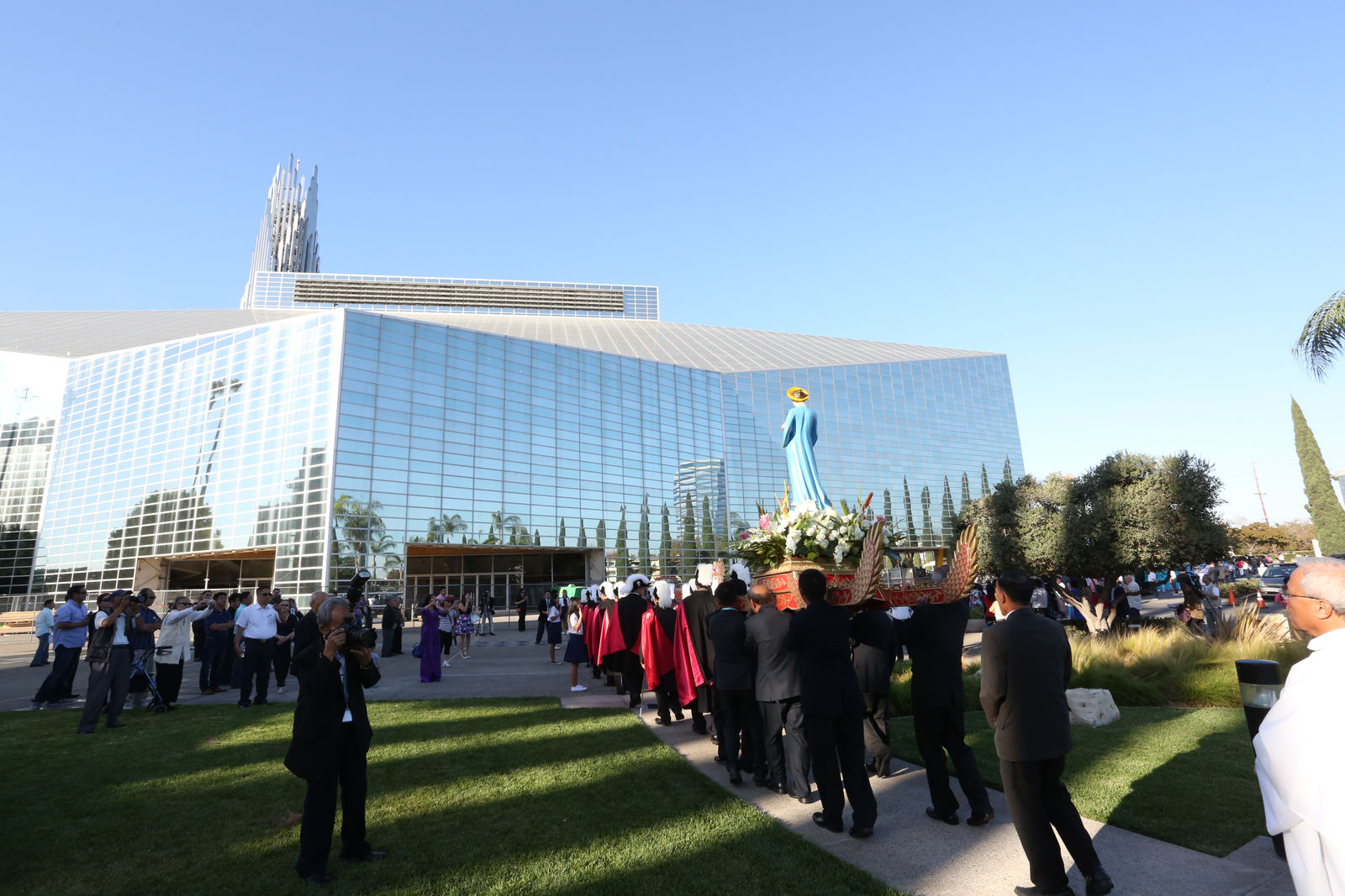 On Saturday, Oct. 21, 2017, approximately 3,000 faithful gathered on Christ Cathedral Campus for the blessing of the site of the future Our Lady of La Vang Shrine. Photo courtesy Diocese of Orange.