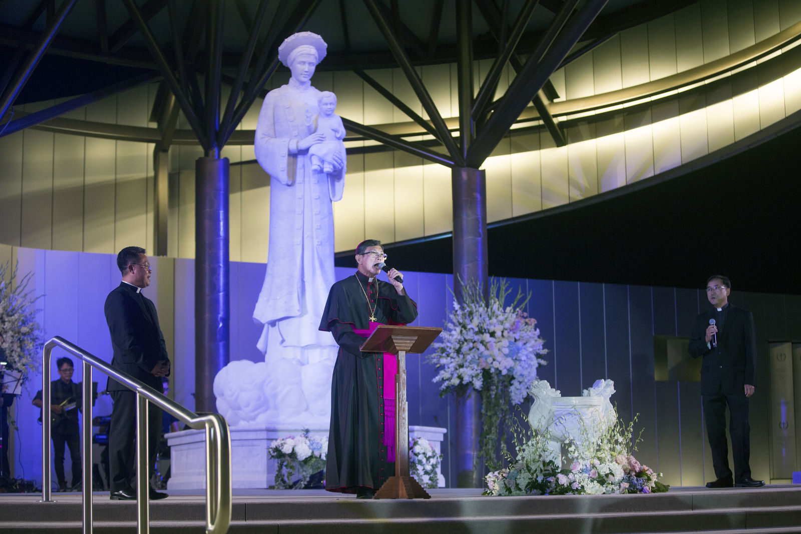 Bishop Thanh Thai Nguyen addresses the audience during the evening of the Solemn Blessing of the Our Lady of La Vang Shrine ceremony. Photo courtesy Diocese of Orange.